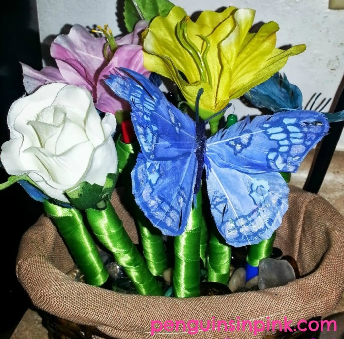 DIY Decorative Pens and Sharpies are pretty but practical bouquet!