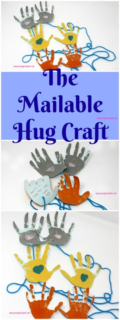 The Mailable Hug Craft is a fun and simple craft for toddlers and kids that makes a wonderful gift for moms, dads, grandparents, friends, and family.